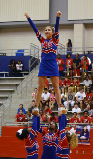 Olivia Davila_Homecoming Pep Rally_9-19__5074